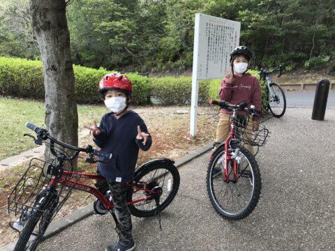 家族でサイクリング